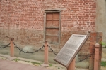 bullet-marks-are-still-visible-on-the-wall-in-jallianwala-bagh