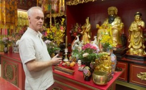 "van Drouin, founder of ""Tours Kaleidoscope"" tour guide agency, poses at the Chao-Chow Chinese Temple in Montreal, Friday, February 21, 2014. THE CANADIAN PRESS/Graham Hughes"