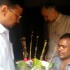 Arvind Kejriwal meets auto-driver who slapped him, gets an apology